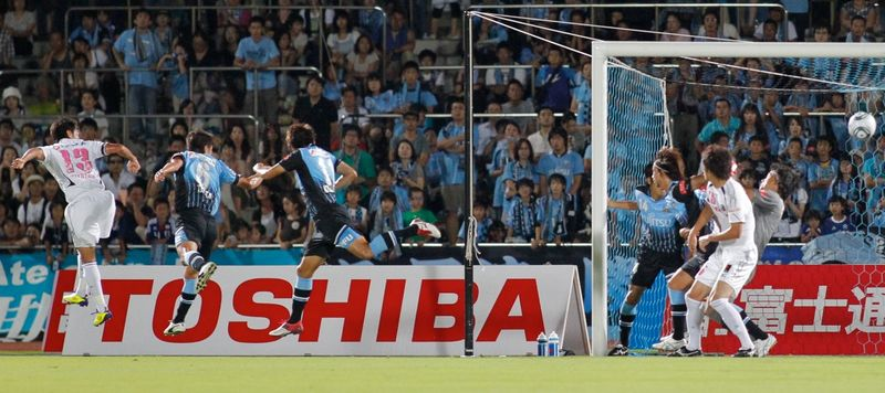 110807frontale01
