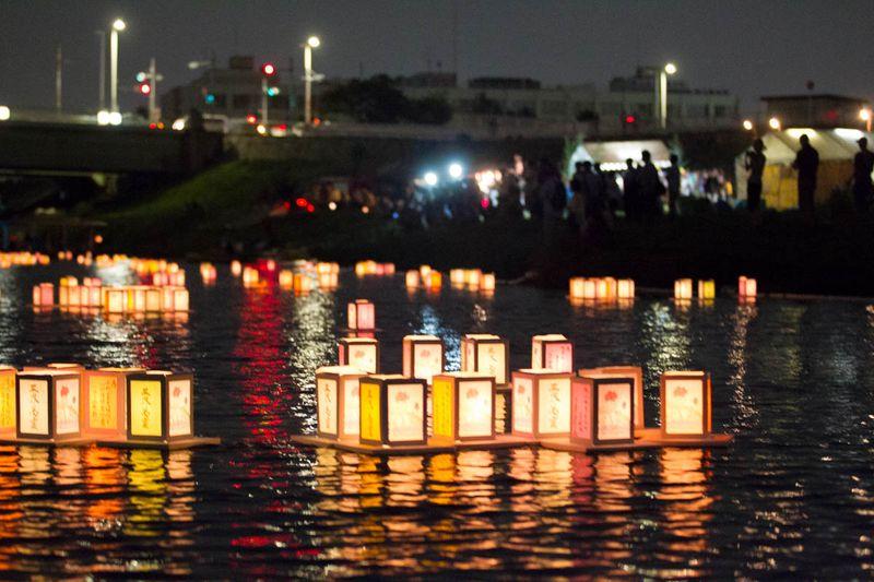 狛江・多摩川灯ろう流し24
